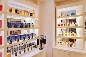 Дизайн витрины парфюмерного магазина