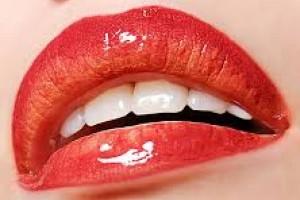 На, что стоит обратить внимание при выборе блеска для губ